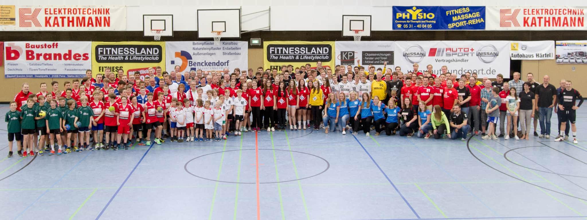 Die gesamte Handballabteilung des MTV Braunschweig
